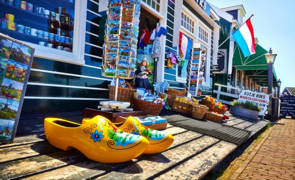 کلمپن،  کفش محلی هلندی ها