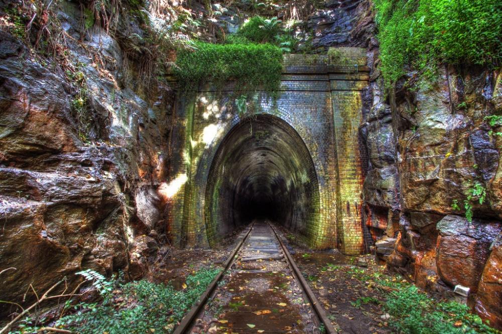 تونل ریلی هلنزبورگ