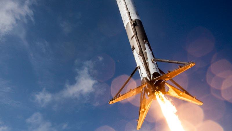 فرود تاریخی راکت فضایی SpaceX