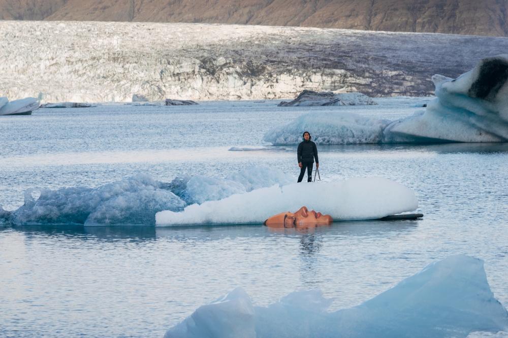بین یخ و برف، آمریکای شمالی،آمریکا