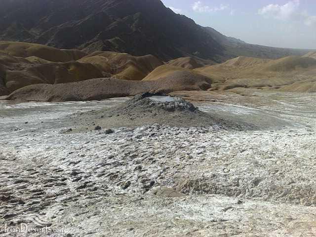 چشمه گل فشان پیرگل – سیستان و بلوچستان