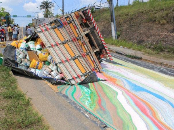 کامیونی با 14 تن  رنگ