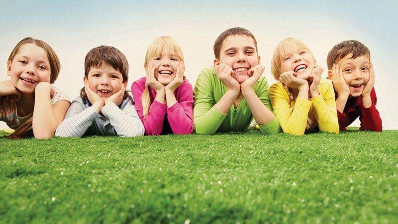 آیا افراد جذاب در نگاه کودکان قابل اعتمادترند؟