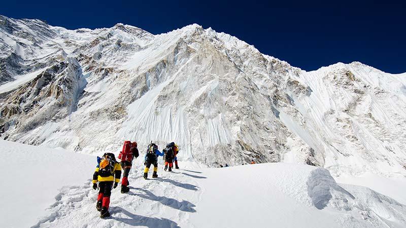 هشدار محققان؛ یخ قله اورست تا پایان قرن آب میشود