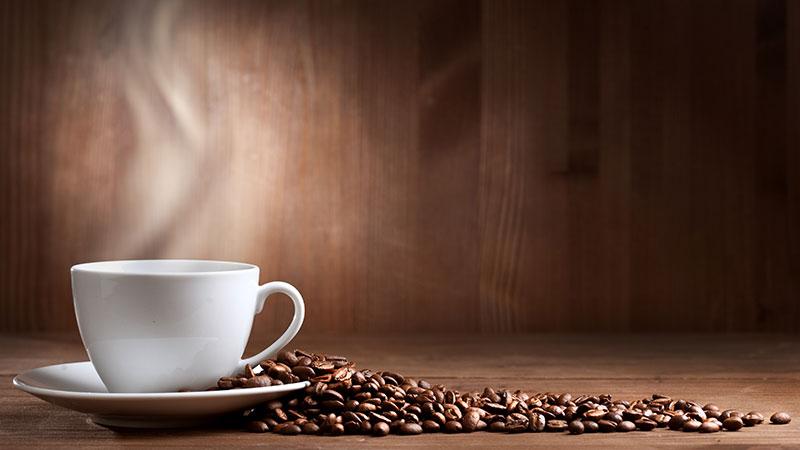۱۰ ایده ساده برای تهیه یک فنجان قهوه بینظیر