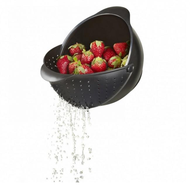 آبکشی در شستوشوی میوه به شما کمک میکند