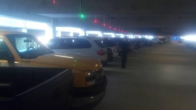 نمایشدهندهی جای خالی برای پارک ماشین