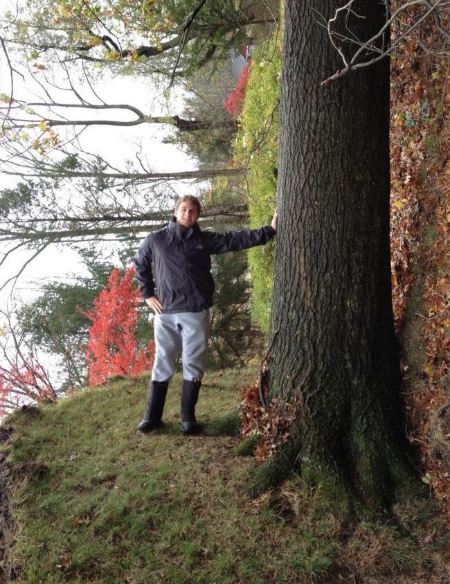 پیادهروی معمولی در جنگل. صبر کنید،چی...؟