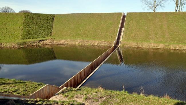 پل غرق شده