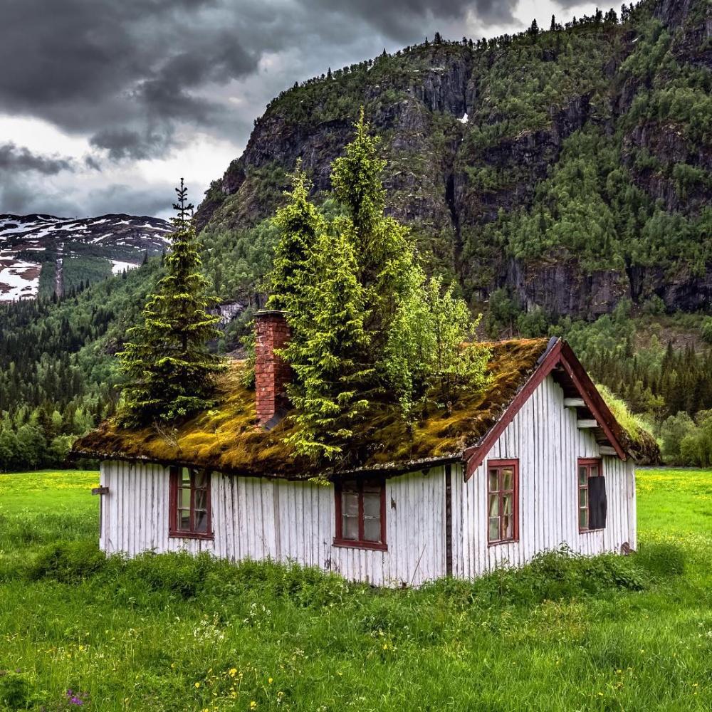 خانهای در روستایی در نروژ