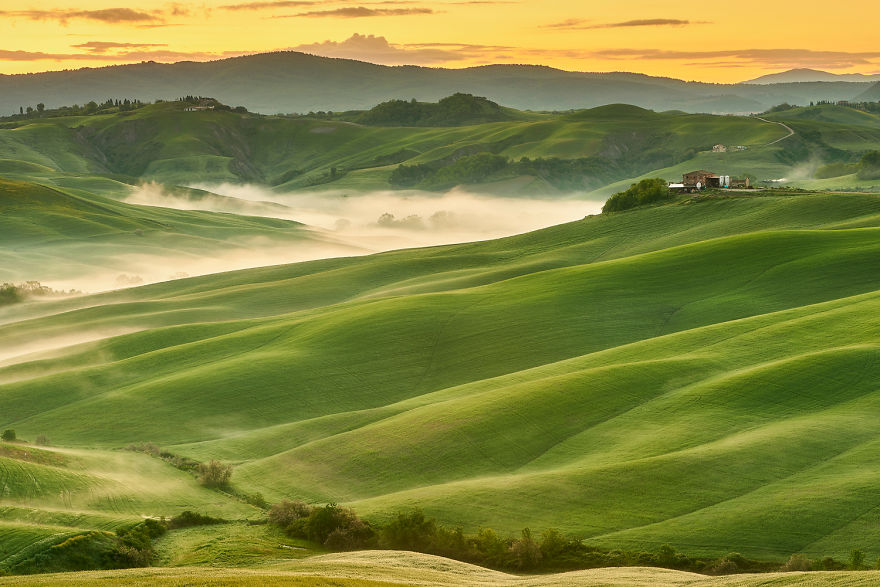 تپههای موچیلانی (Mucilgani hills)