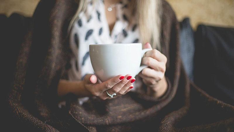 چای سبز یا قهوه: کدام برای بدن شما مفیدتر است؟