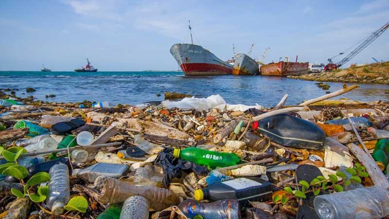 ۵/۲۵ تریلیون پلاستیک اقیانوسها را آلوده کردهاند