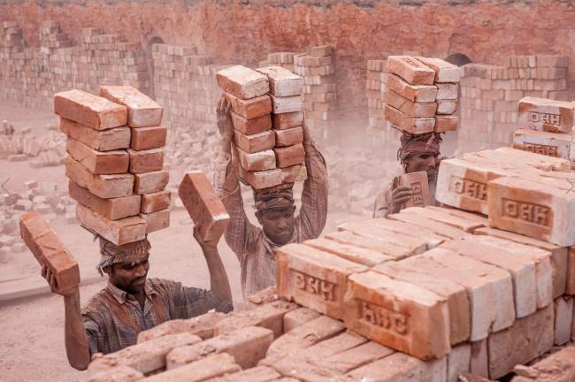 کارگران بیمهارت در آسیای مرکزی