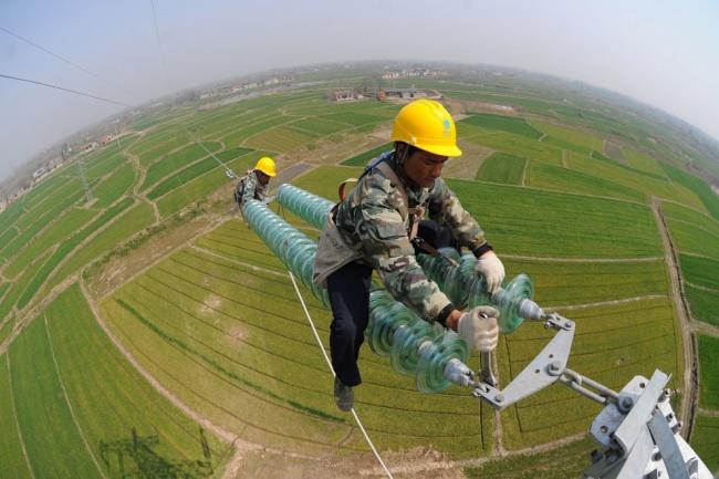 نصب و راهاندازی کابلهای برق فشار قوی در چین