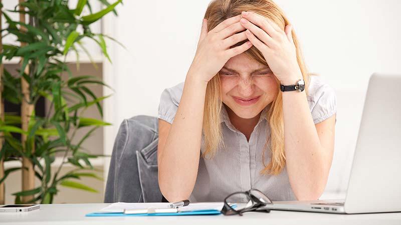 سندروم پیش از قاعدگی یا PMS چیست؟