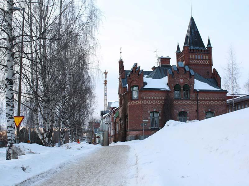 ۸- سوئد و برونئی: هر کدام ۴ شهر
