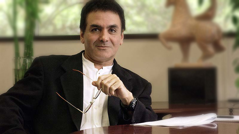 پروفسور فیروز نادری حرفهای رسانههای ايرانی را تکذيب کرد