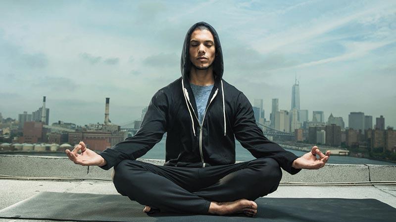 آیا یوگا روی افسردگی تاثیر میگذارد؟