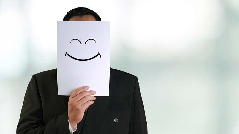 اینکه بخواهیم همیشه شاد باشیم برای سلامتی مضر است