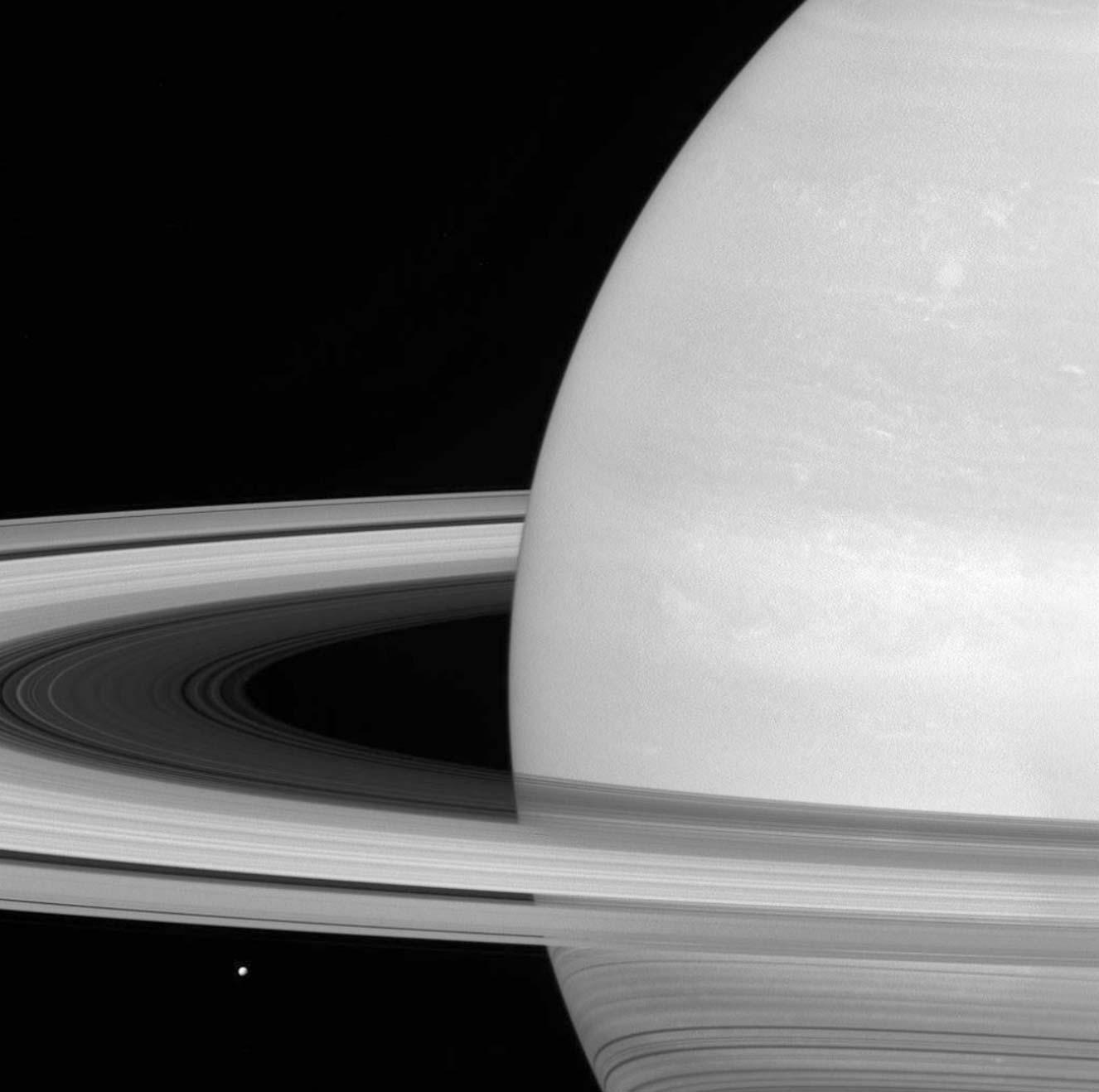 میماس، قمر سیاره زحل
