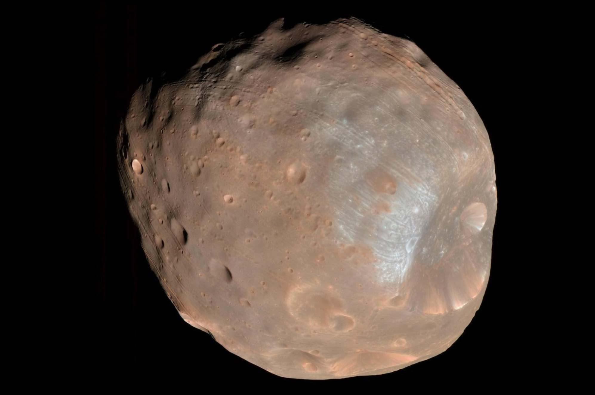 بزرگترین قمر سیاره مریخ