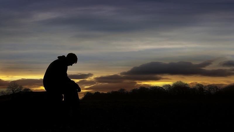 احساس خلأ در زندگی چیست و چگونه با آن مبارزه کنیم؟